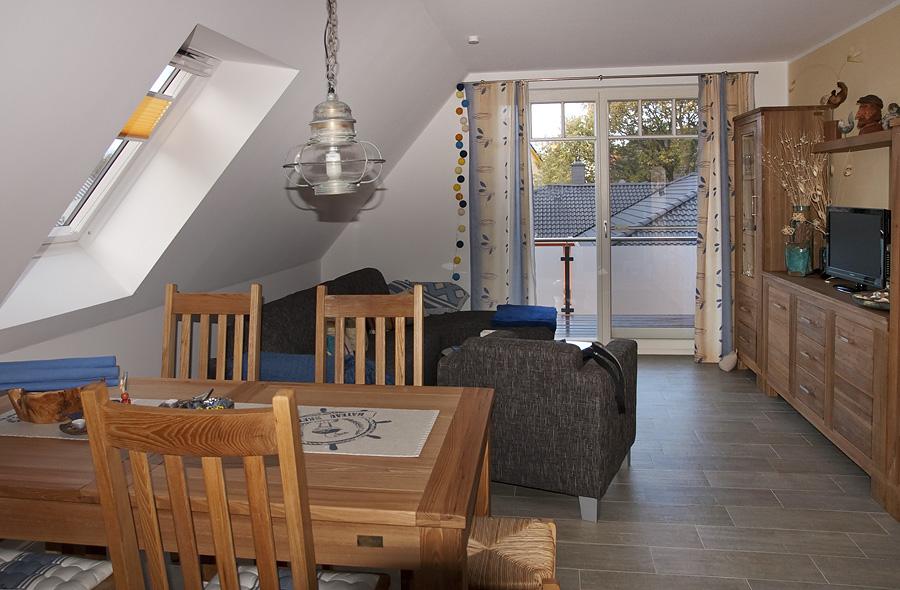 Ferienwohnung Zingst: Kavelkoje Wohn- und Essbereich